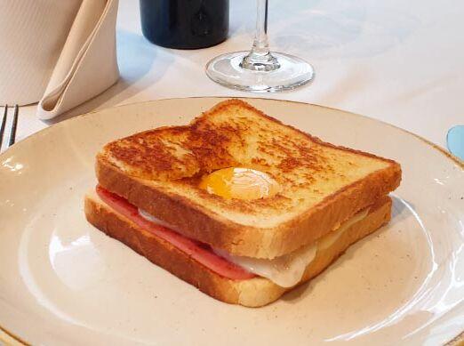 sandwich_mixto_con_huevo